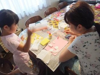 ママと工作.jpg